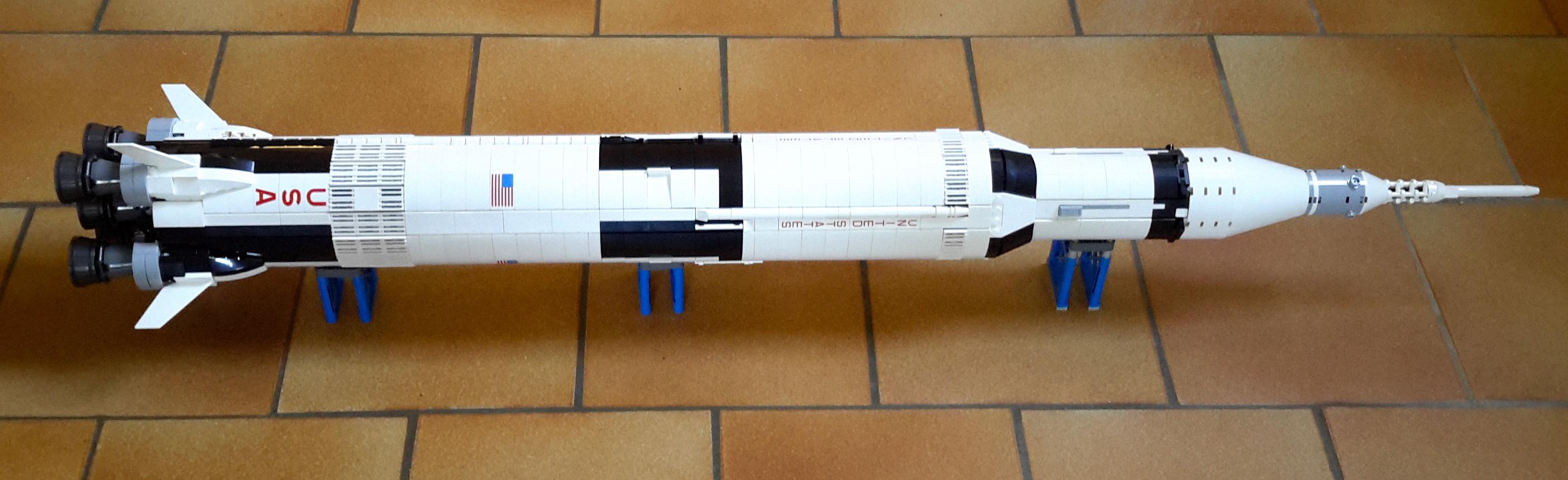 Review : LEGO Ideas 21309 Nasa Apollo Saturn V0611_085215